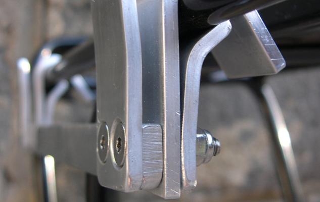 633x400-pannier-clip