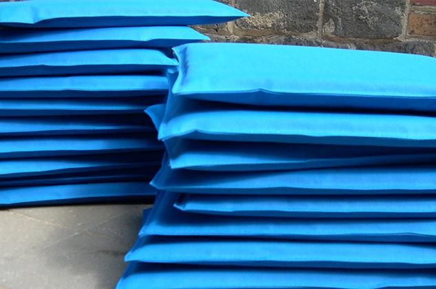 633x400bricks-blue