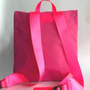 envelopebackpack-pink-back